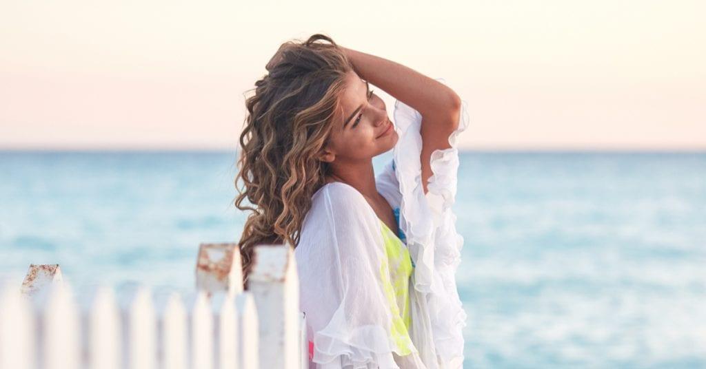 Trending Hot 2021: Beach Wave Hairstyles